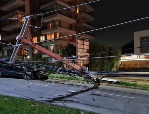 Casi 1 millón de clientes han sufrido interrupciones de suministro eléctrico por postes chocados en primer semestre de 2021